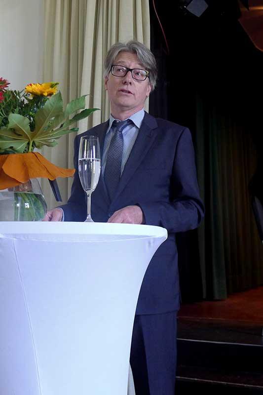 Laudator-Prof-Dr-Ludger-Huennekens_800